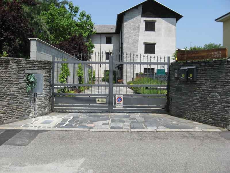 Affittacamera-Vanzaghello-Falegnameria-2